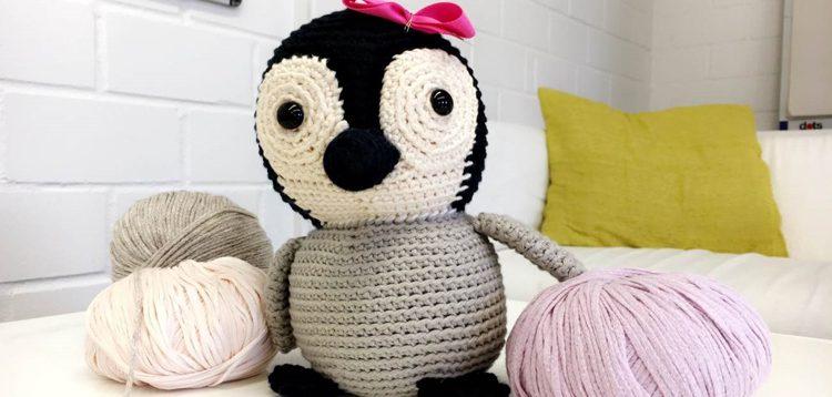 Häkelanleitung Niedlicher Pinguin Mit Schleife Strickende